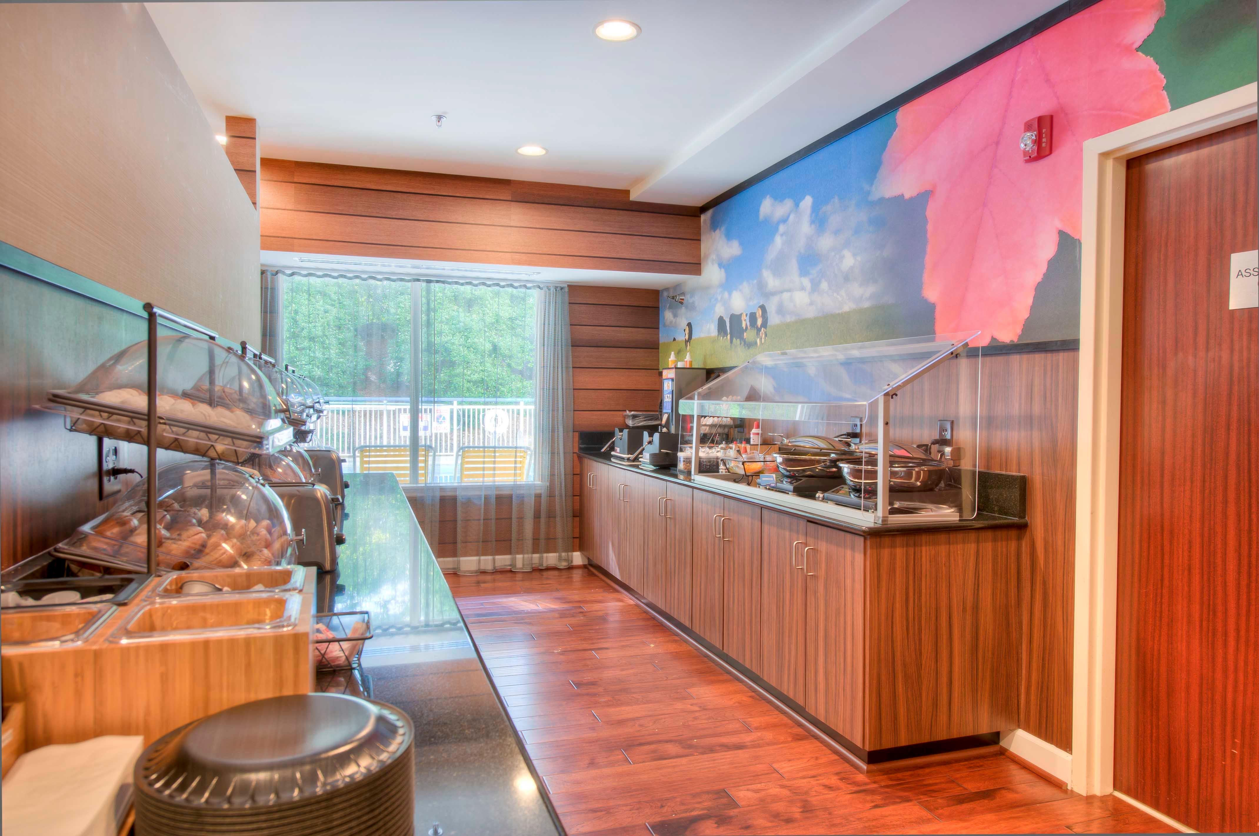 Fairfield Inn & Suites by Marriott Raleigh Crabtree Valley image 2