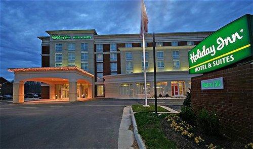 holiday inn hotel suites williamsburg historic gateway. Black Bedroom Furniture Sets. Home Design Ideas