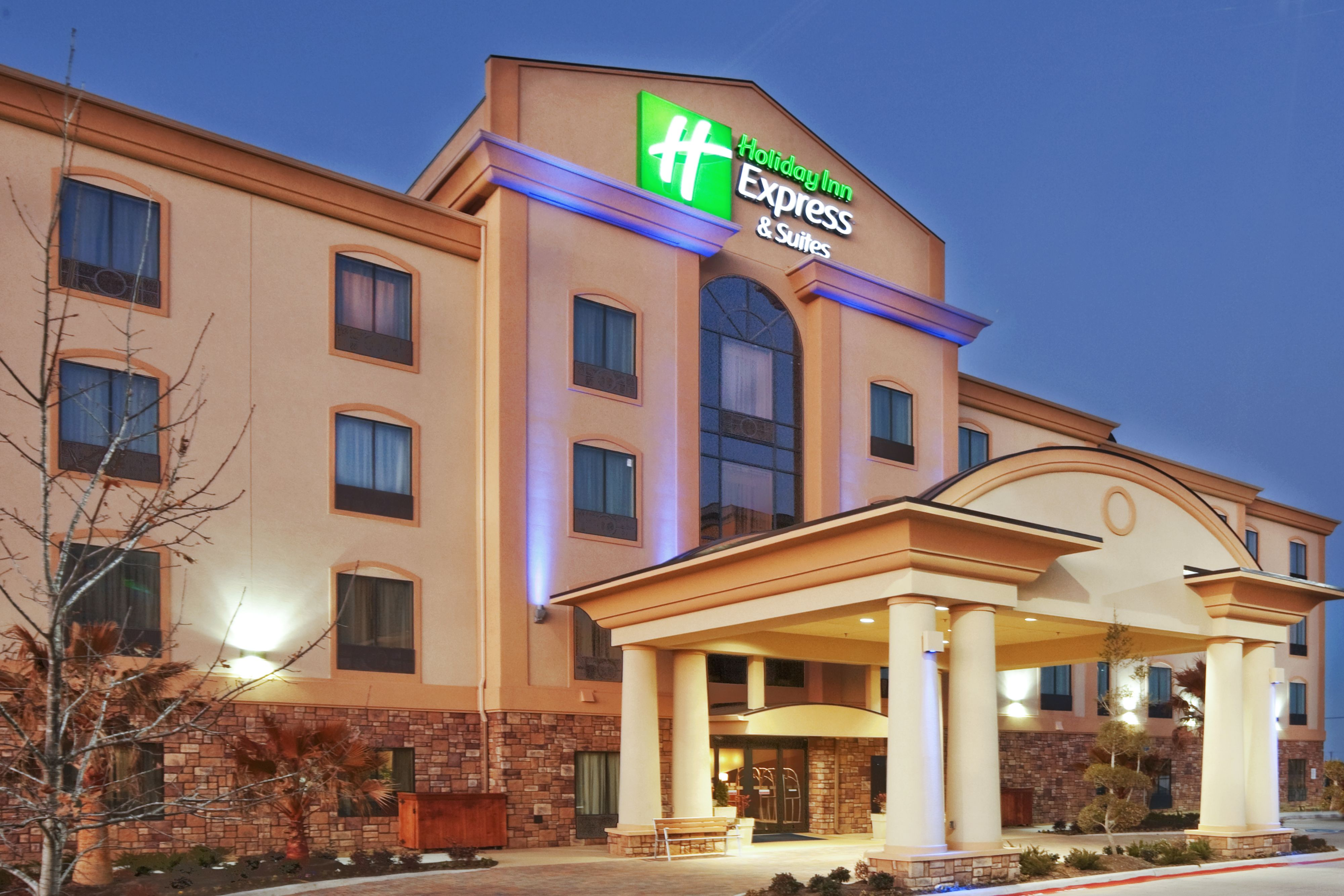 Holiday inn express suites deming mimbres valley deming for Grand motor inn deming