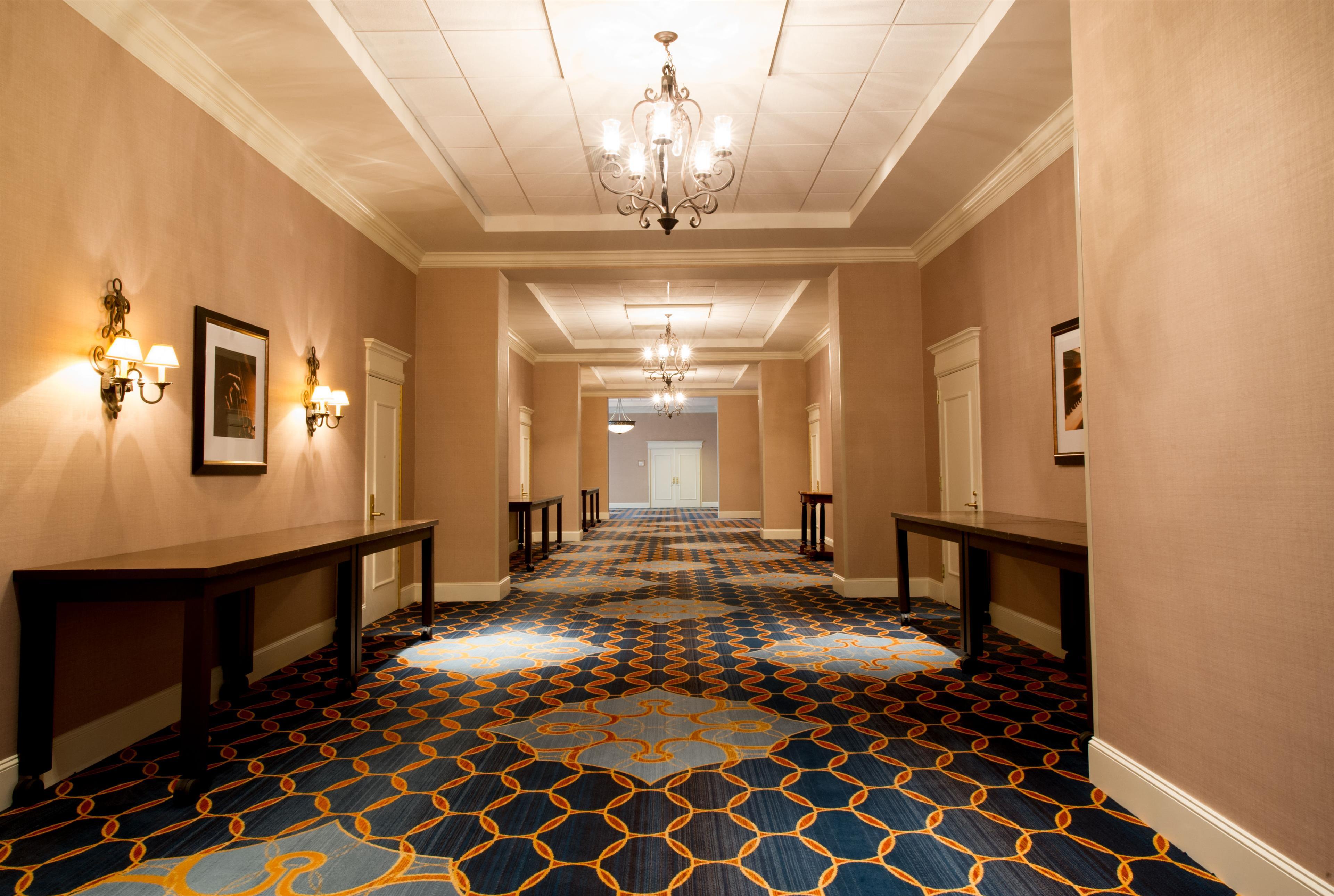 Cruciform Foyer Seminar Room : Sheraton memphis downtown hotel tennessee tn