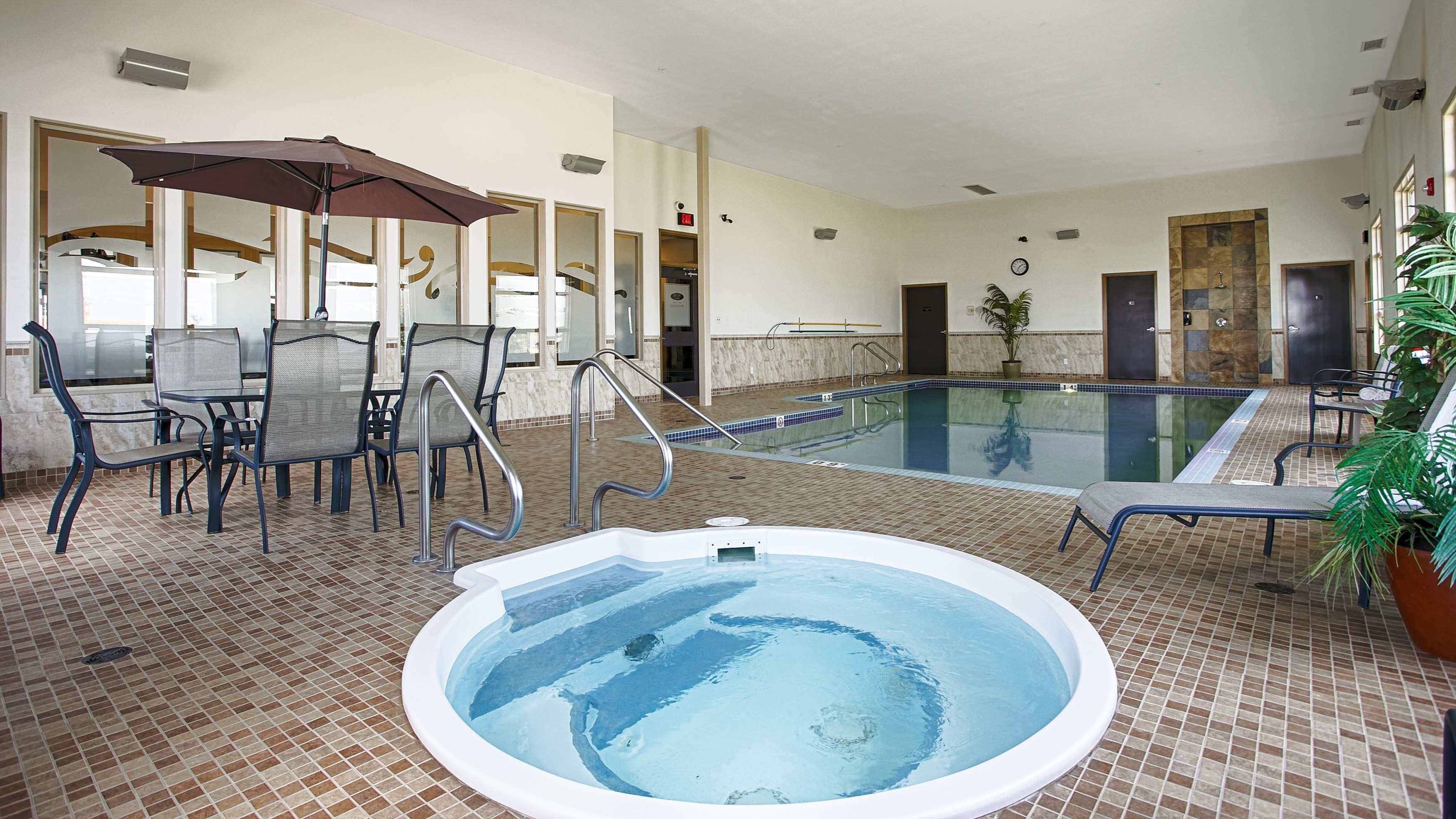 Hot Tub Best Western Wainwright Inn & Suites Wainwright (780)845-9934