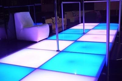 Lap Dance Night Leitmotiv