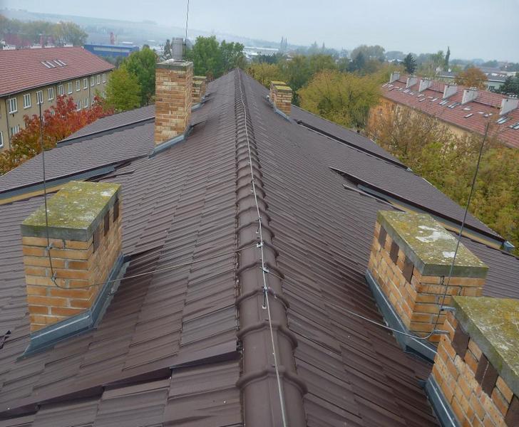 BAHROS s.r.o. - střechy, klempíři, hromosvody, pokrývači