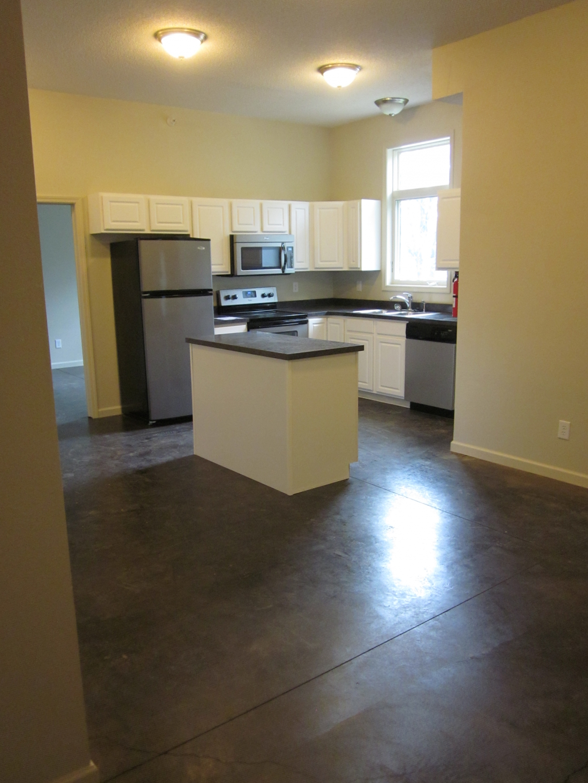 Floor decor in bend or 97701 for Floor and decor website