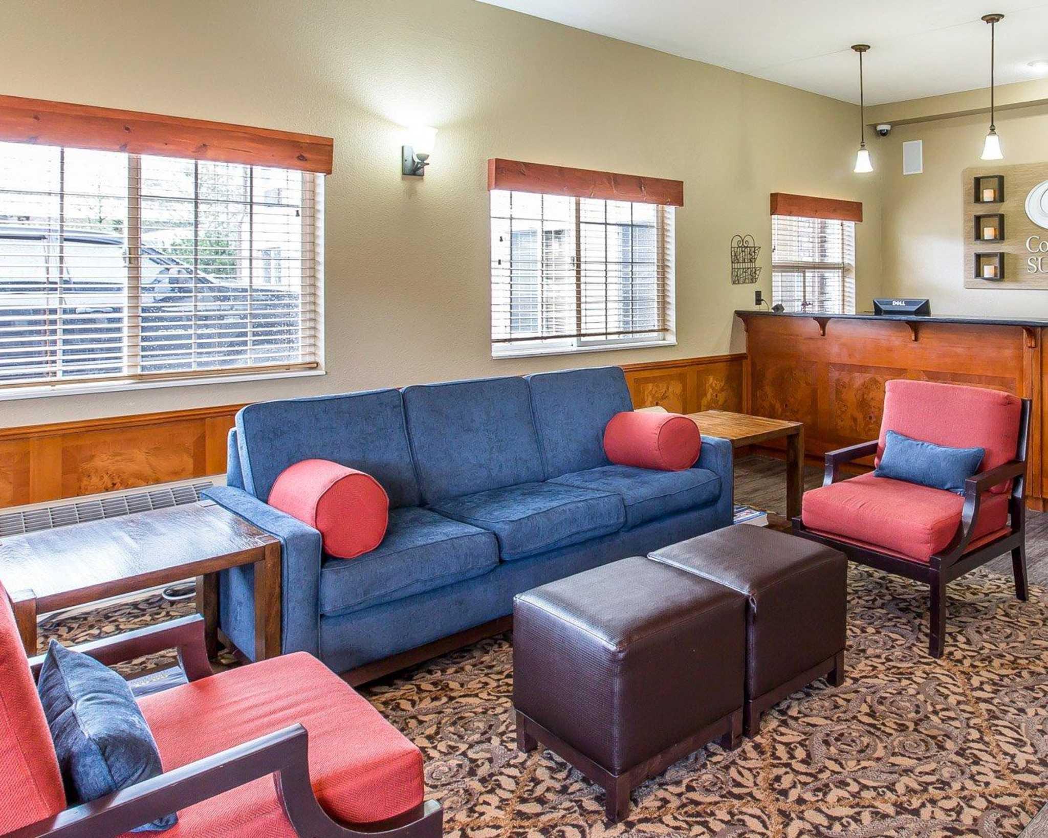 comfort suites columbia river astoria oregon or. Black Bedroom Furniture Sets. Home Design Ideas