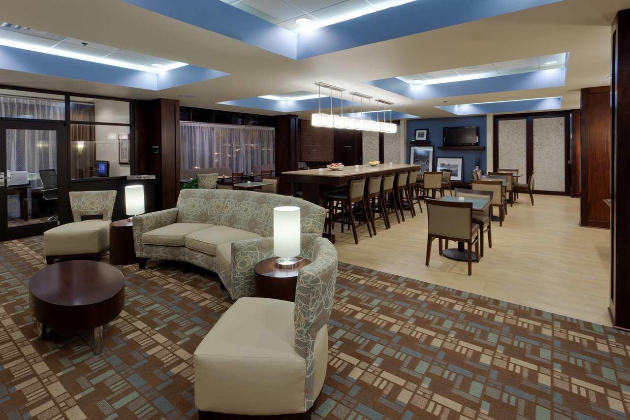 Hampton Inn Manassas Perfect Mix Lobby