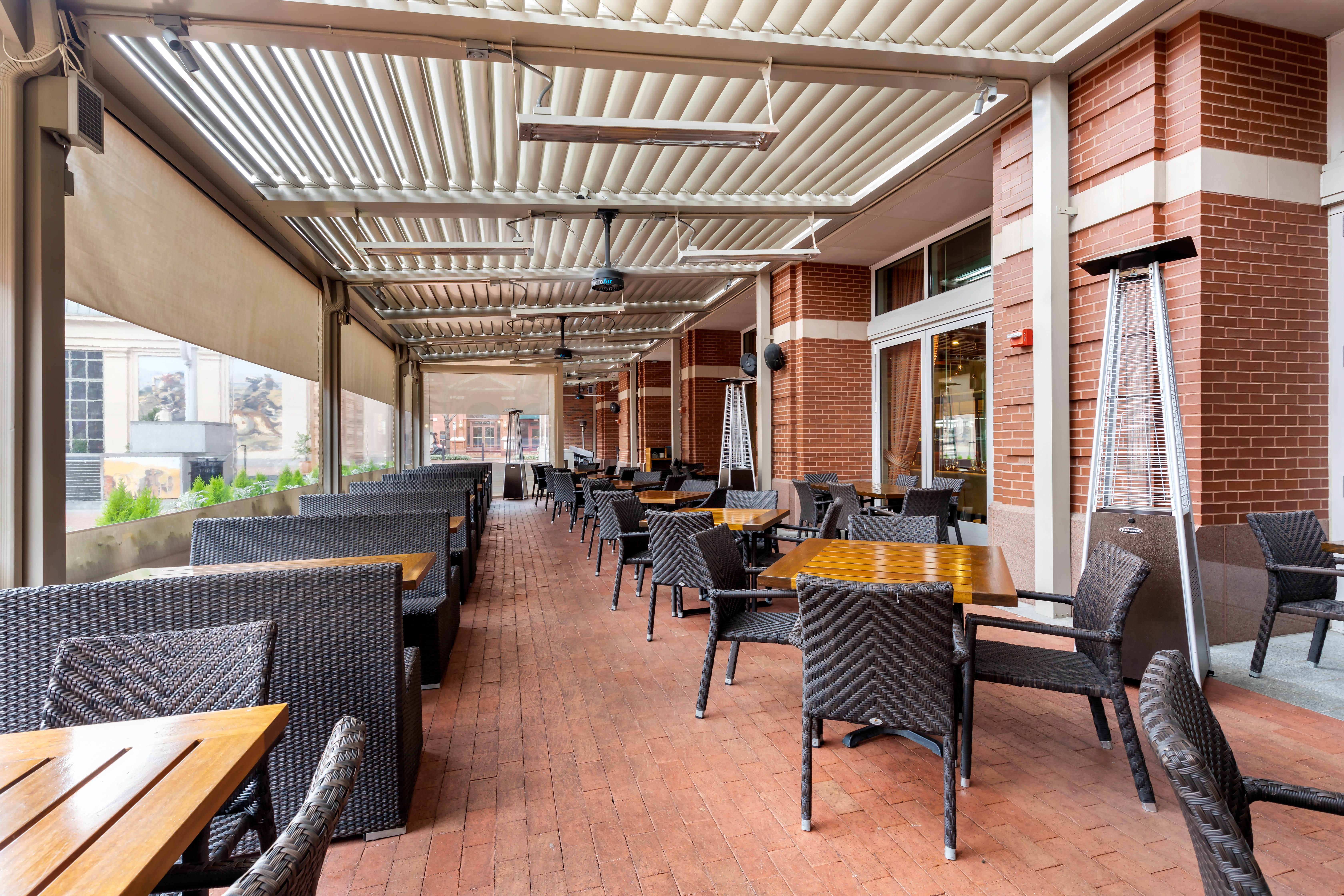 Del Frisco's Grille Fort Worth Patio group dining room
