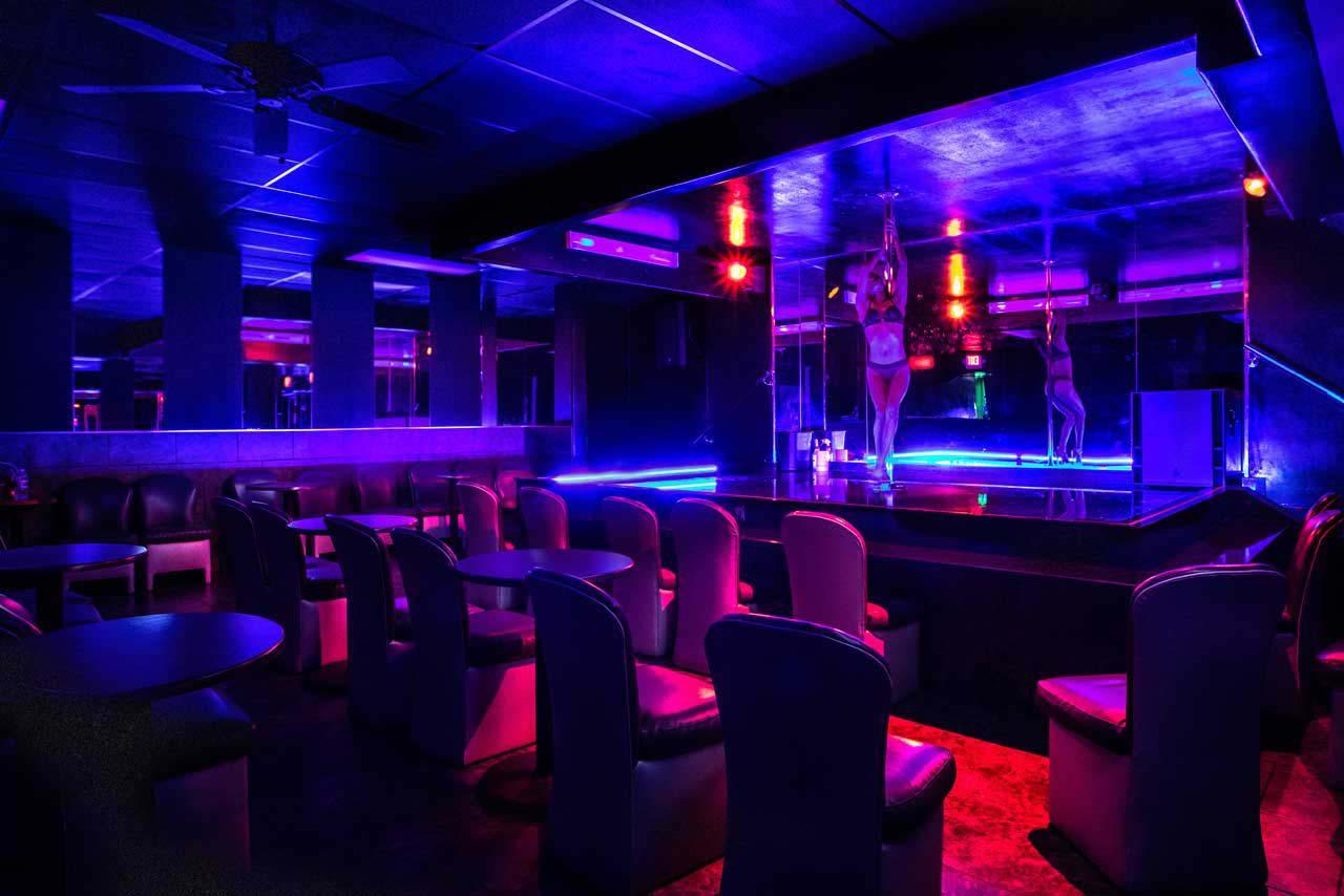 Toronto strip clubs are now closed due to coronavirus