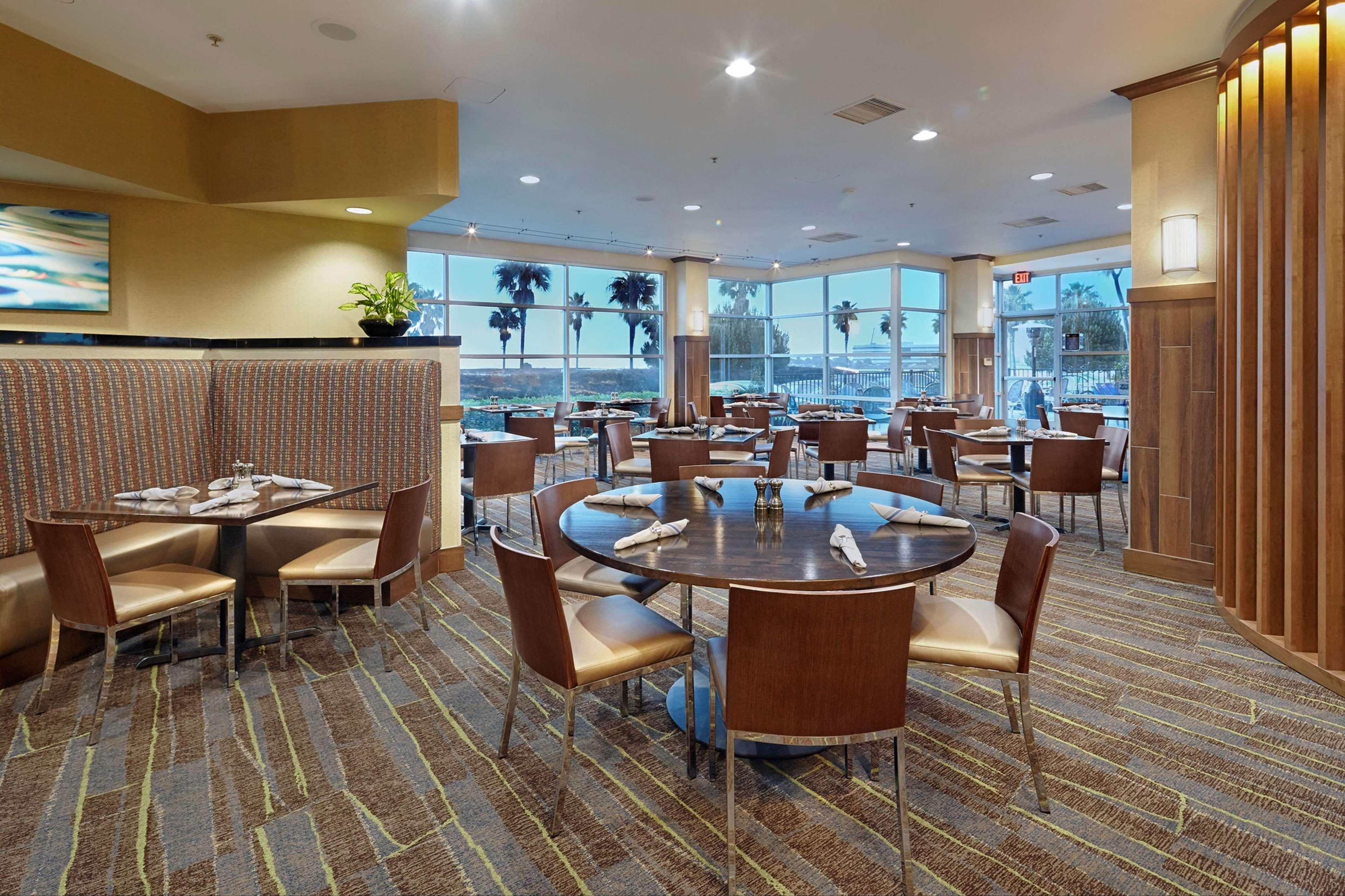 Doubletree By Hilton Hotel San Francisco Airport North Brisbane California Ca