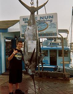 Blue nun sport fishing 11 photos fishing tackle for Fishing supplies honolulu