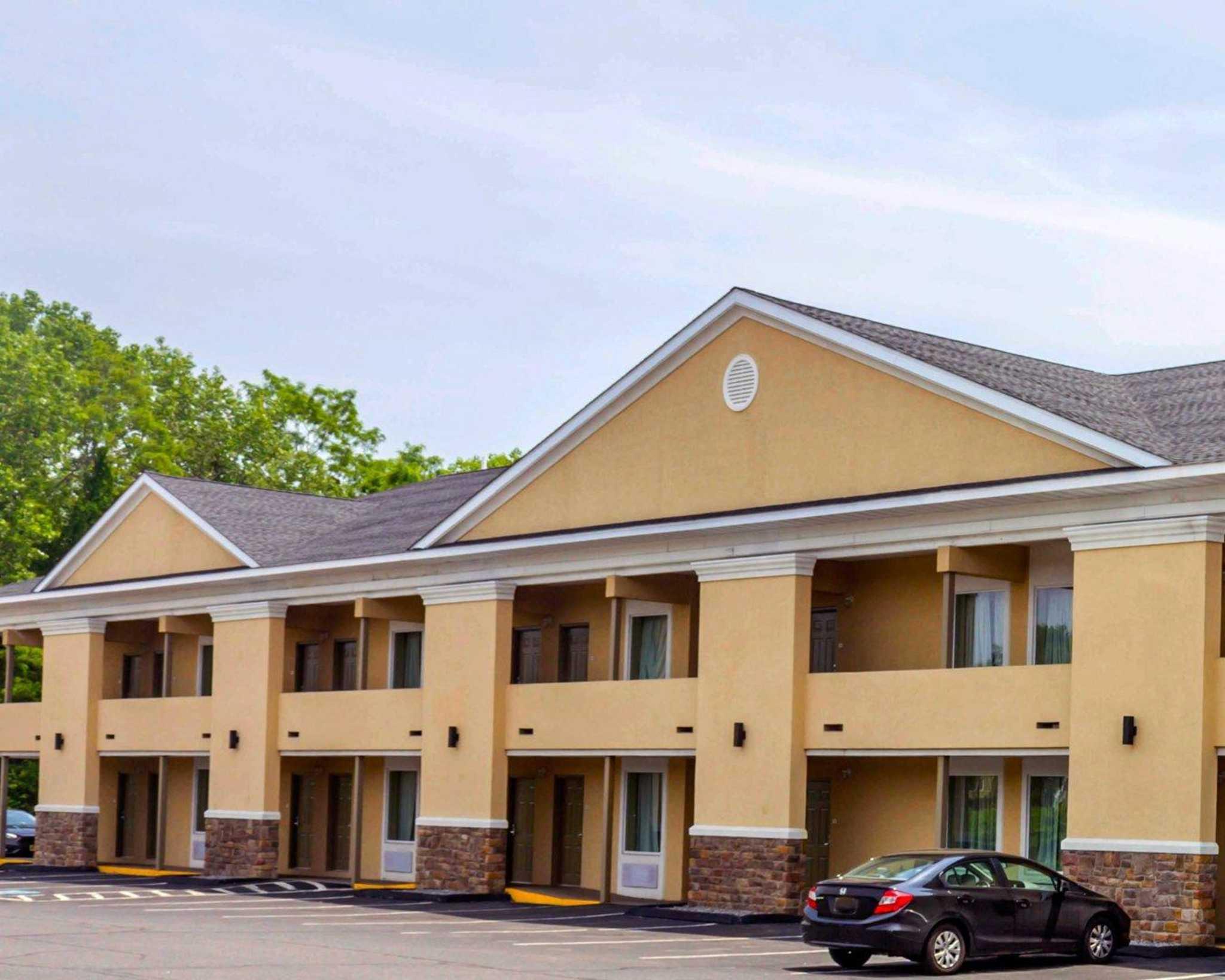 Hotels Near Waterbury Ct
