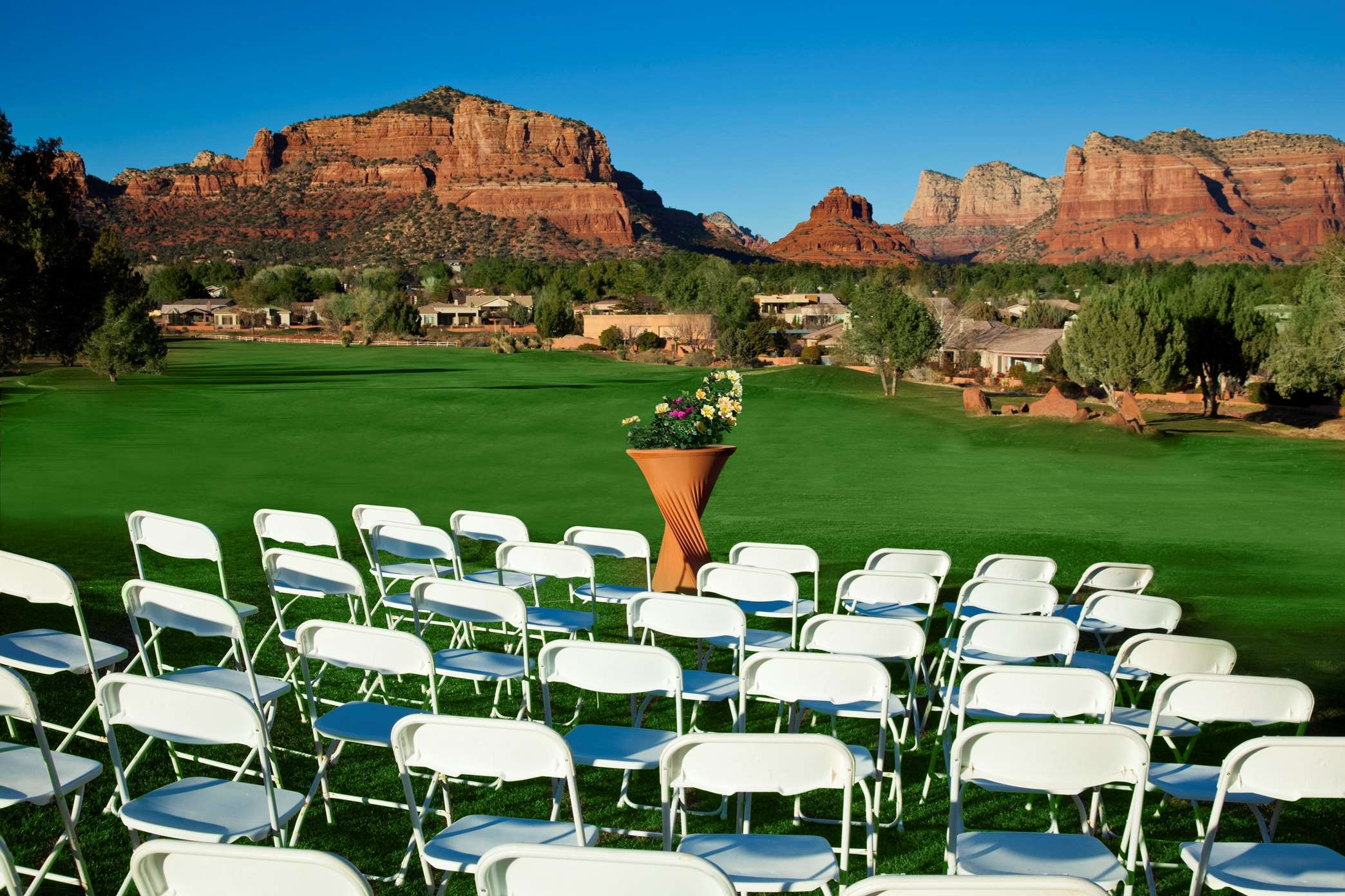 Hilton sedona resort at bell rock coupons near me in for Hotel spa resort near me