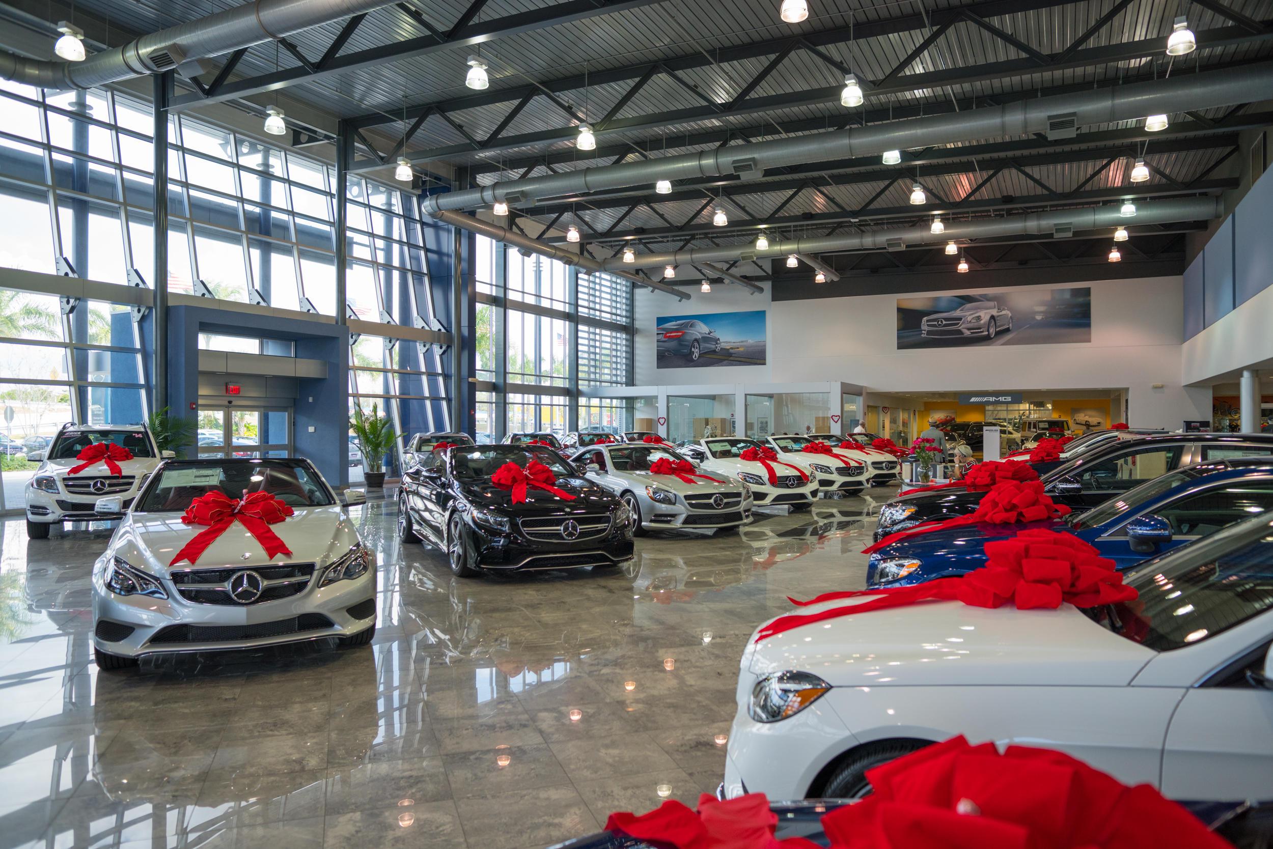 Mercedes benz of miami in miami fl auto dealers yellow for Mercedes benz dealer miami fl