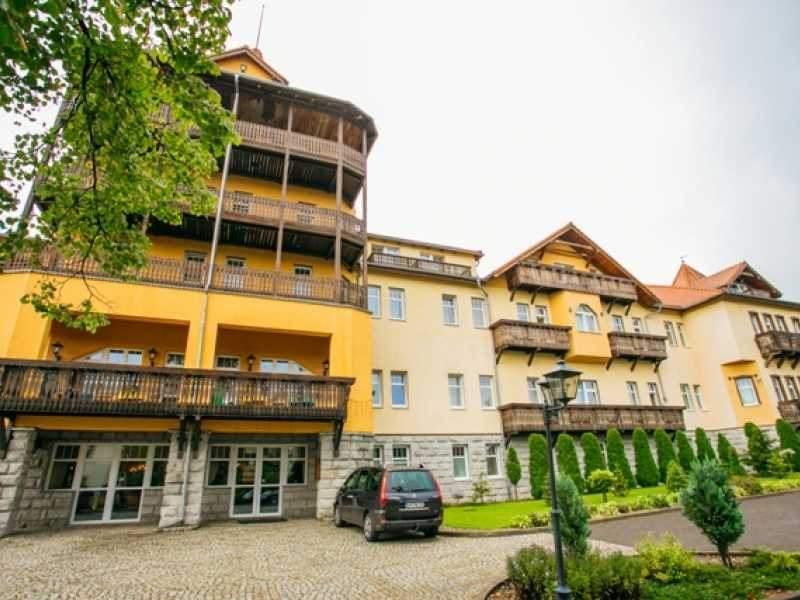 St. Lukas Sanatorium & SPA
