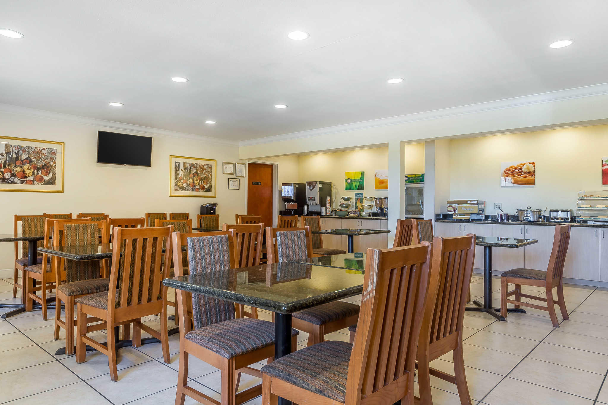 Quality Inn Amp Suites Vacaville California Ca