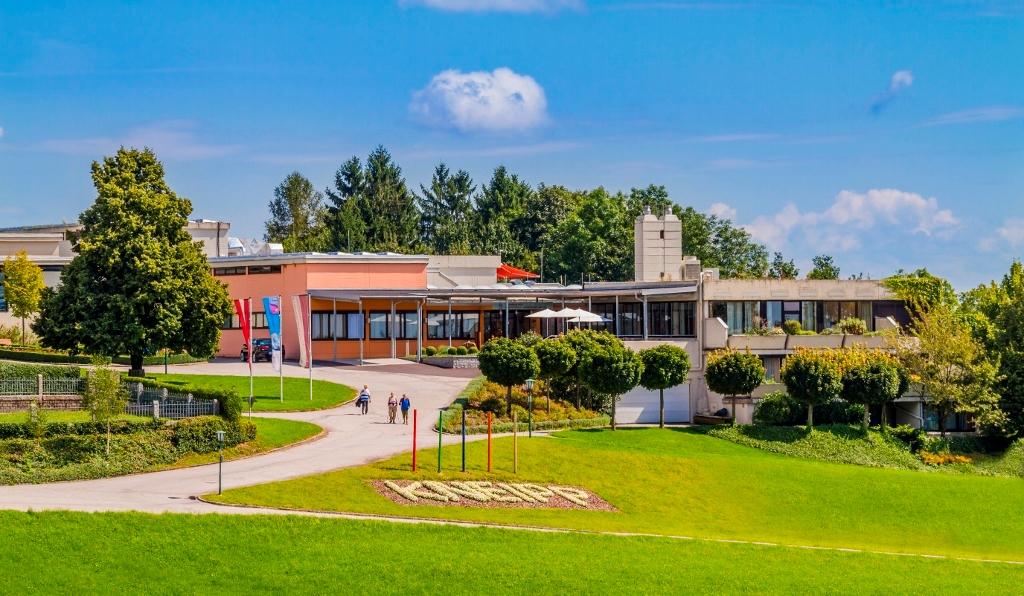 CURHAUS Bad Kreuzen - 1. Zentrum f. Traditionelle Europäische Medizin