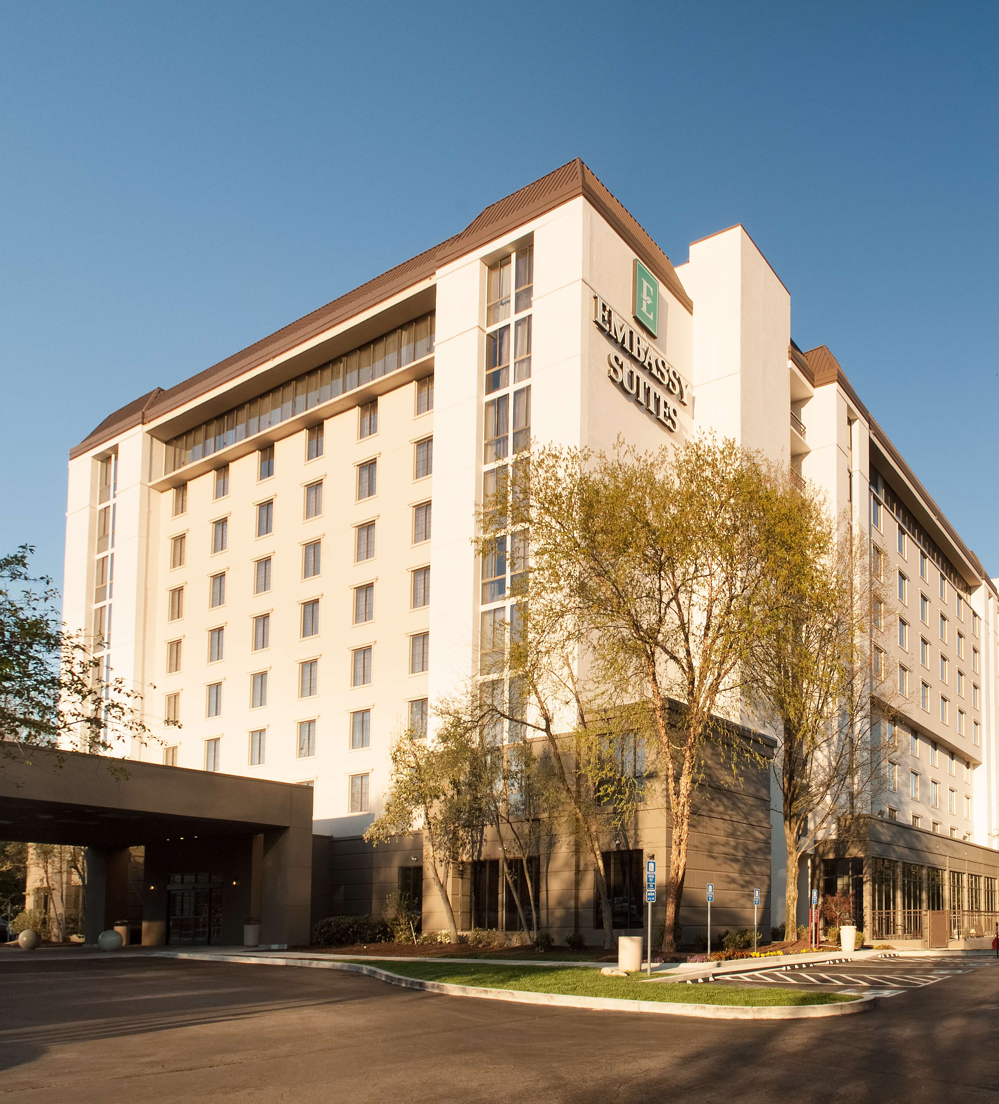 Embassy Suites By Hilton Nashville Airport Nashville Tennessee Tn