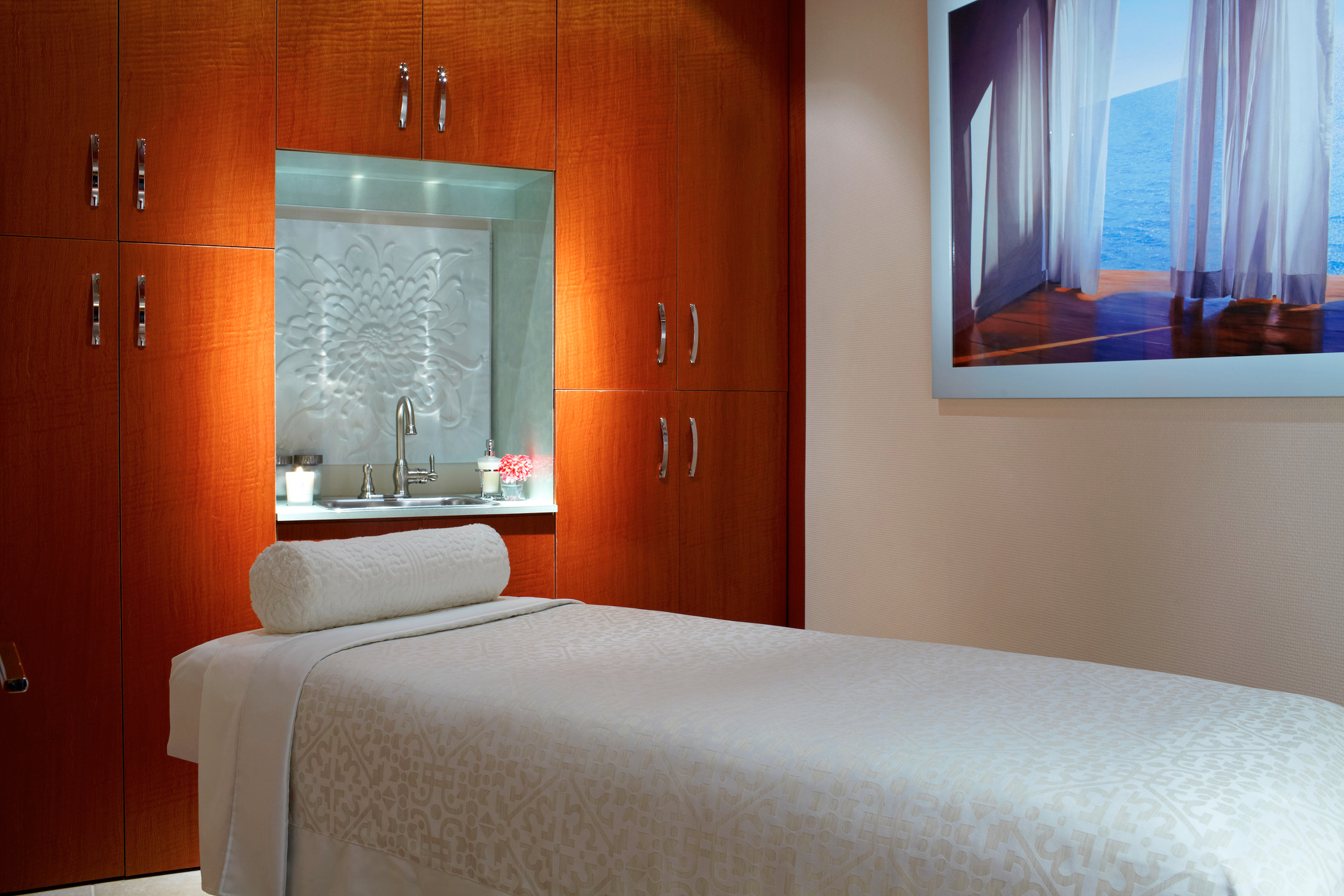 The red door salon spa new york new york for W salon and spa