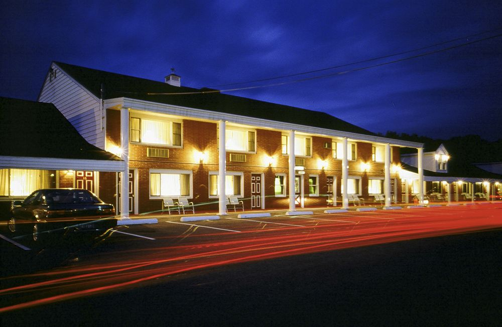 Coachman inn in kittery me 03904 for Motor inn near me