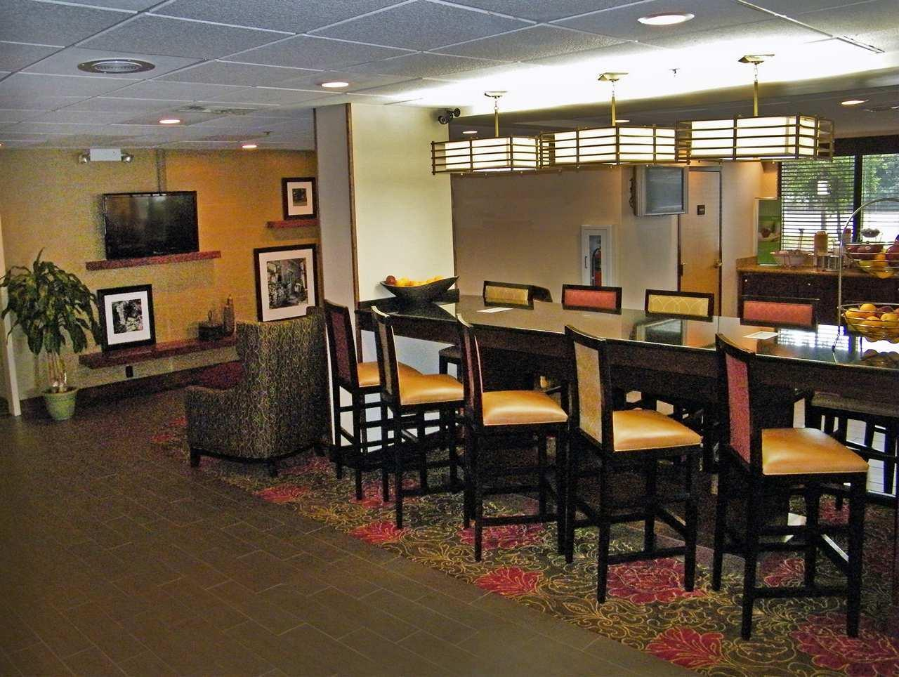Hampton Inn Norfolk Chesapeake Greenbrier Area