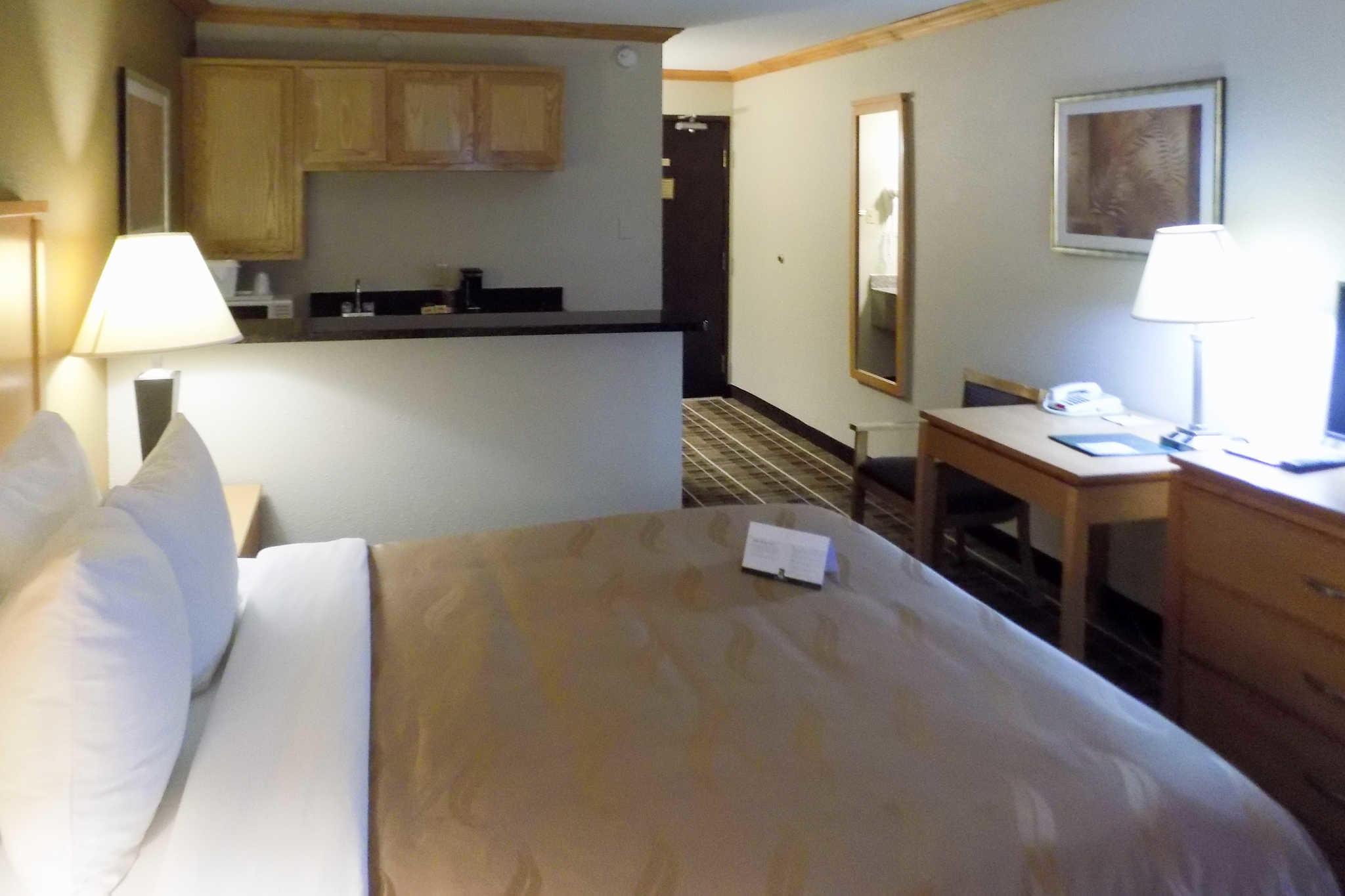 Quality Inn Dfw Airport Hotel