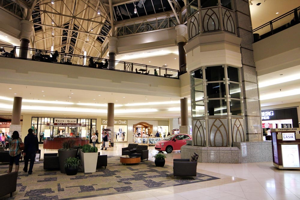 Penn Square Mall is Oklahoma City's premier fashion destination because of its excellent mix of over specialty shops, newly renovated food court, all new mall restrooms, and completely new mall entrances offering a comfortable and enjoyable climate controlled shopping atmosphere/10(1).