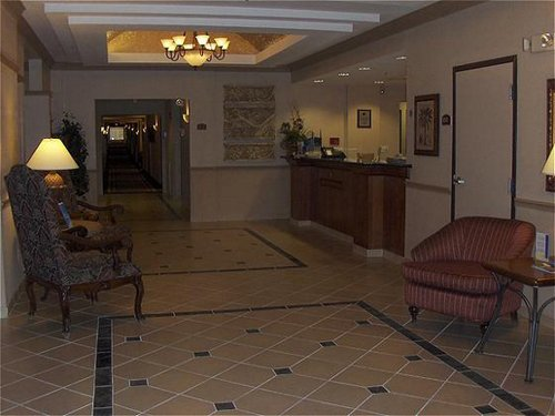 Holiday Inn Express & Suites College Station image 3