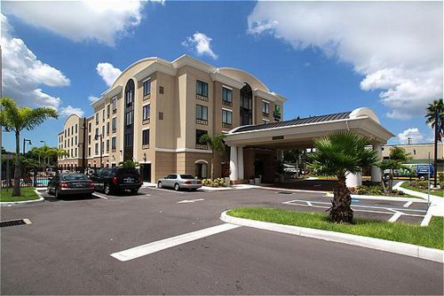 Holiday Inn Express Amp Suites Tampa Usf Busch Gardens In