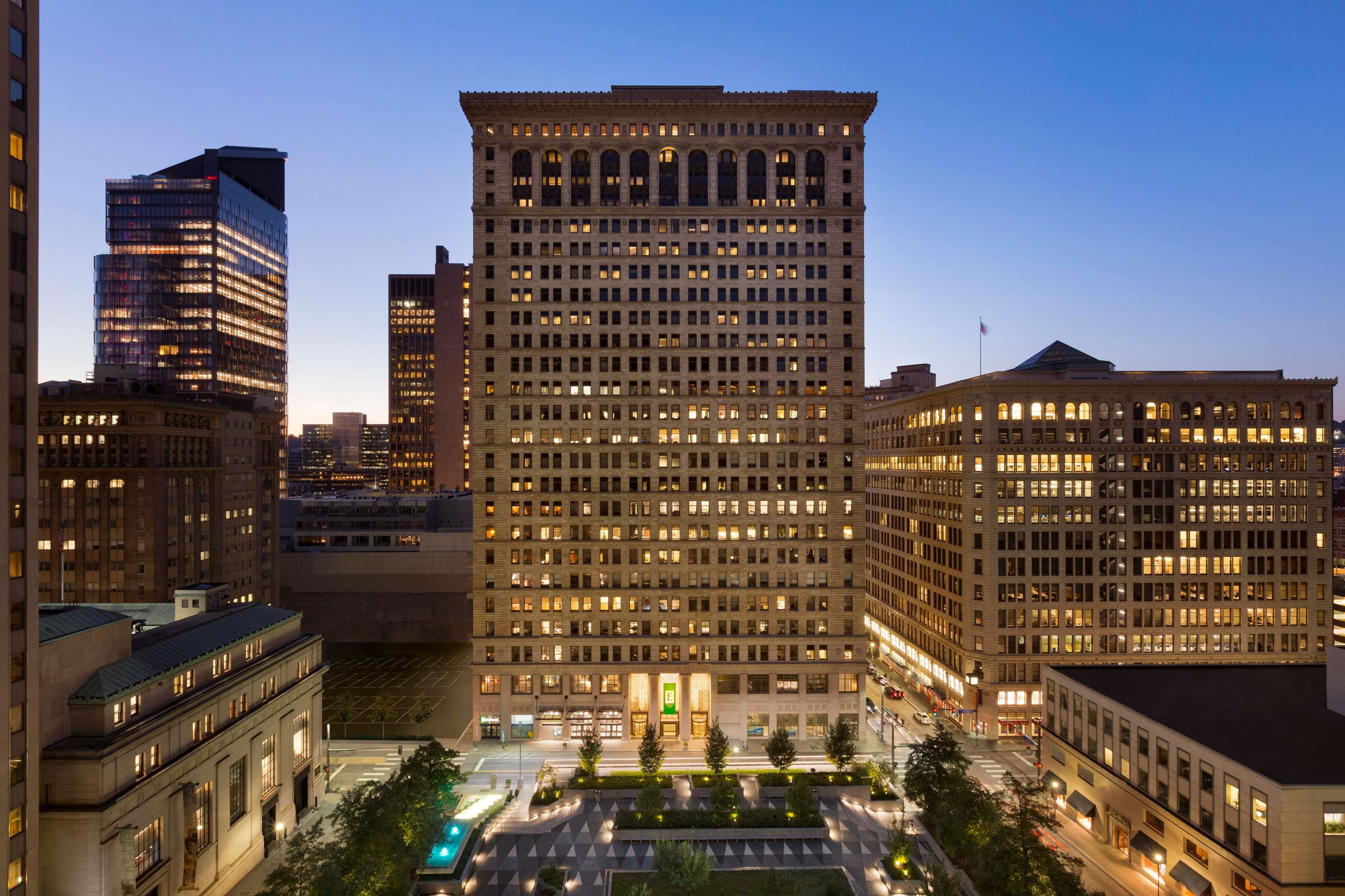 Embassy suites by hilton pittsburgh downtown pittsburgh pennsylvania pa for Hilton garden inn downtown pittsburgh
