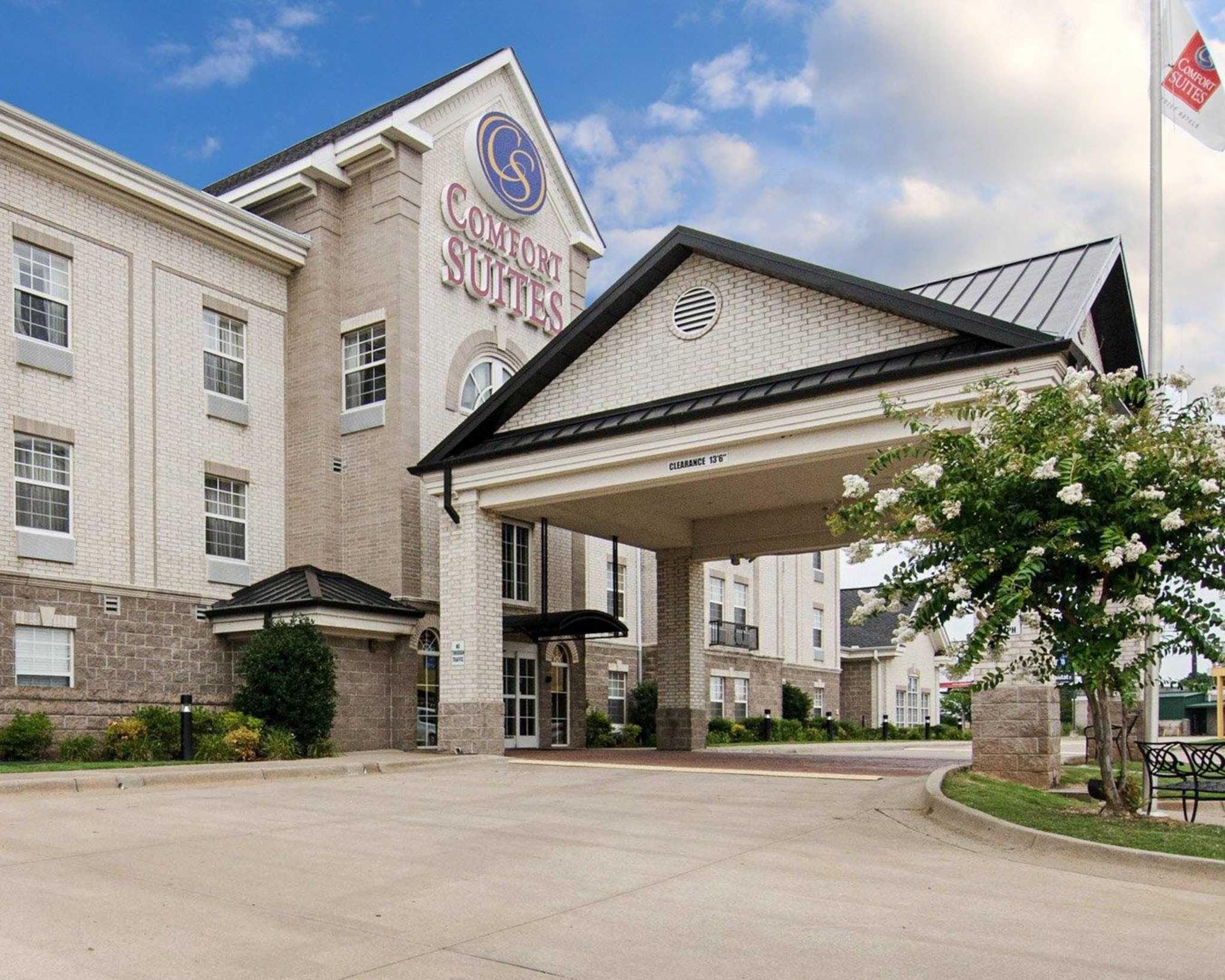 Comfort Suites In Conway Ar 72032 Chamberofcommerce Com
