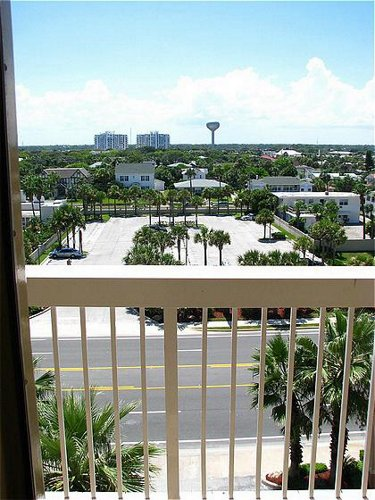 Holiday Inn Hotel & Suites Daytona Beach On The Ocean - ad image