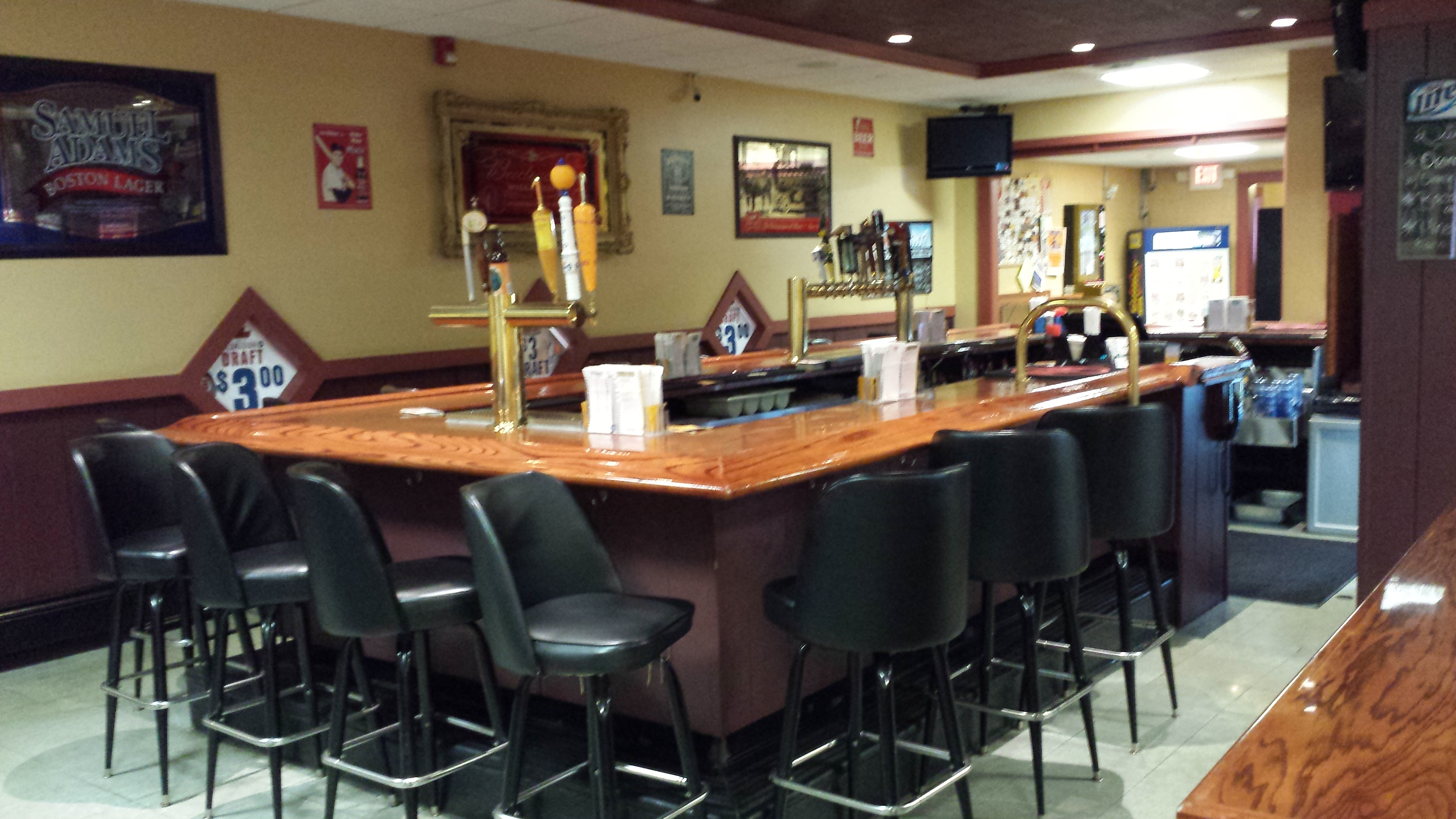 Riviera Cafe Brewhouse In Bridgewater Ma 02324