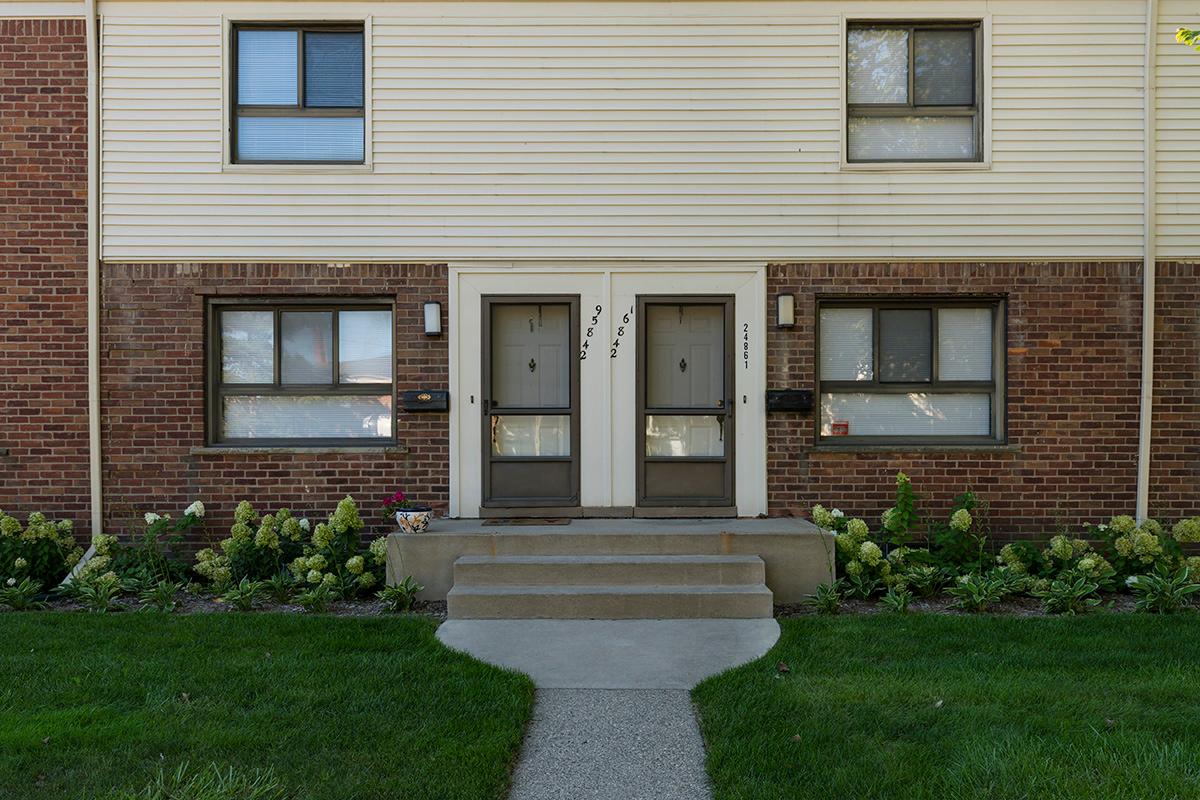 Oak West Apartments