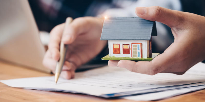 Our real estate lawyers make buying and selling property a problem-free experience.