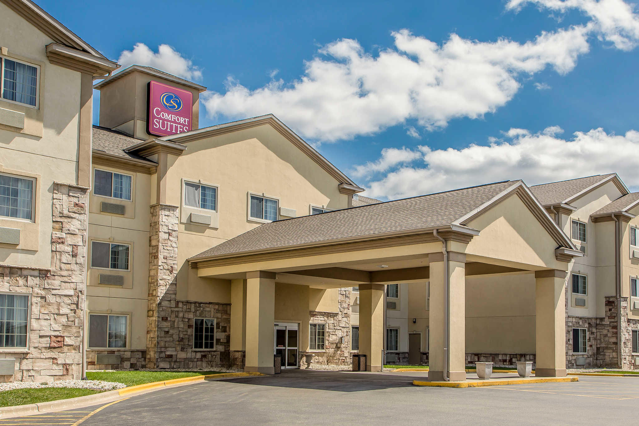 Hotels In Delavan Wi Area