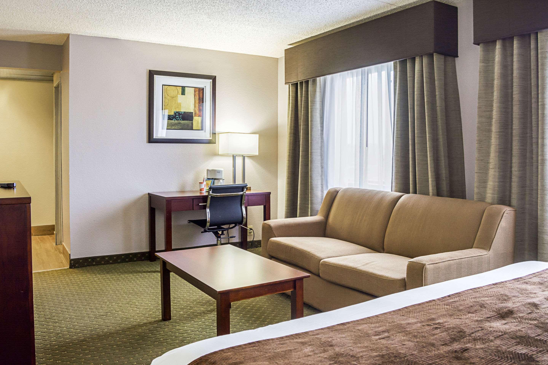 Clarion Inn & Suites Clackamas - Portland