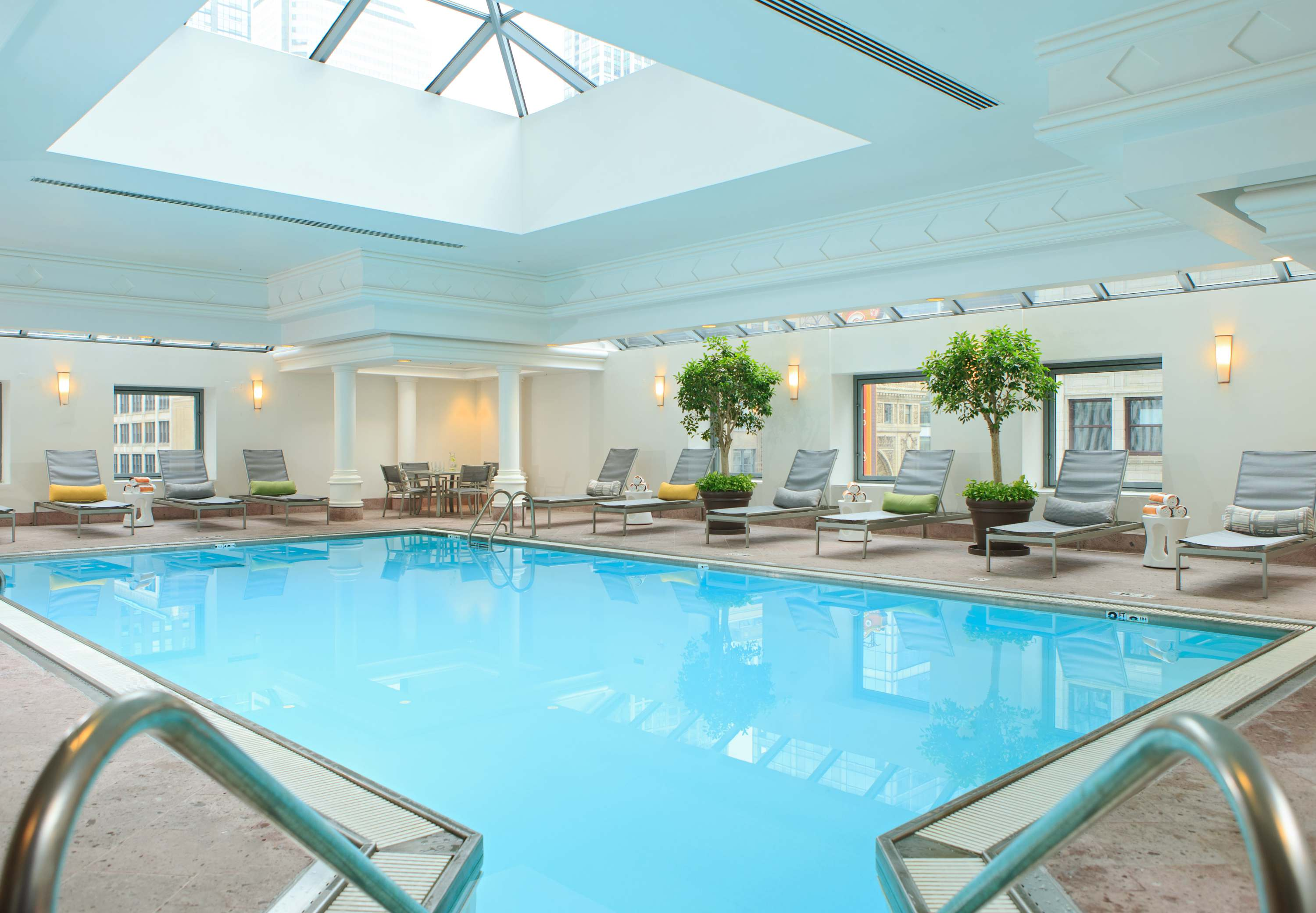 Renaissance chicago downtown hotel chicago illinois il - University of chicago swimming pool ...
