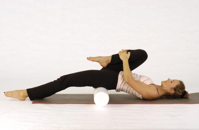 pilates bung hipstretch with roller  keep in motion PILATES STUDIO | München