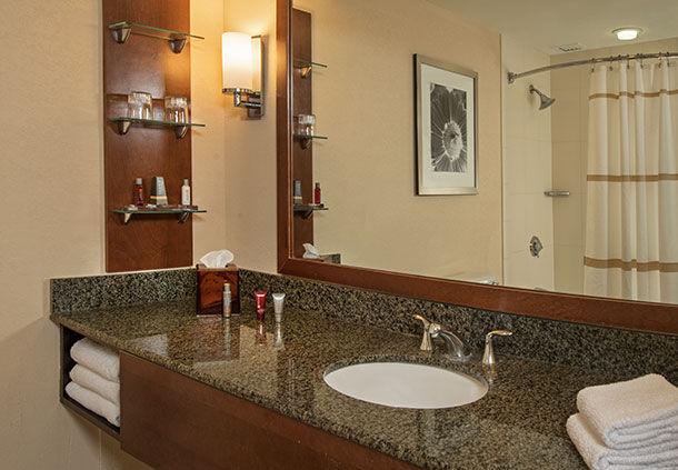 Hotels Near  General Mcintosh Blvd Savannah Ga
