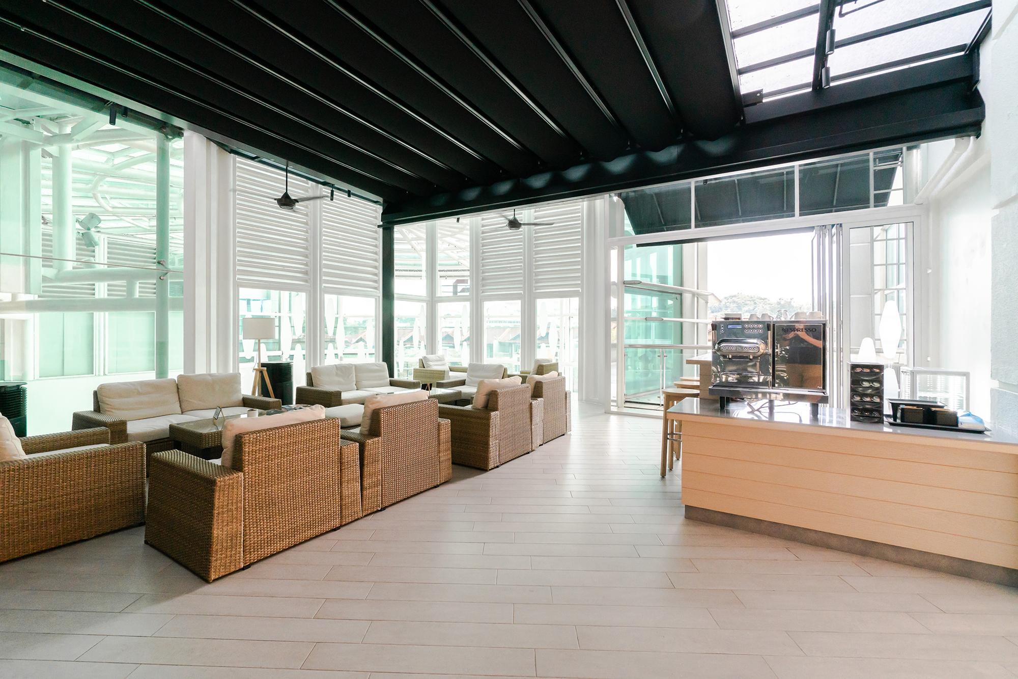 IQOS Authorised Care Centre, Publika