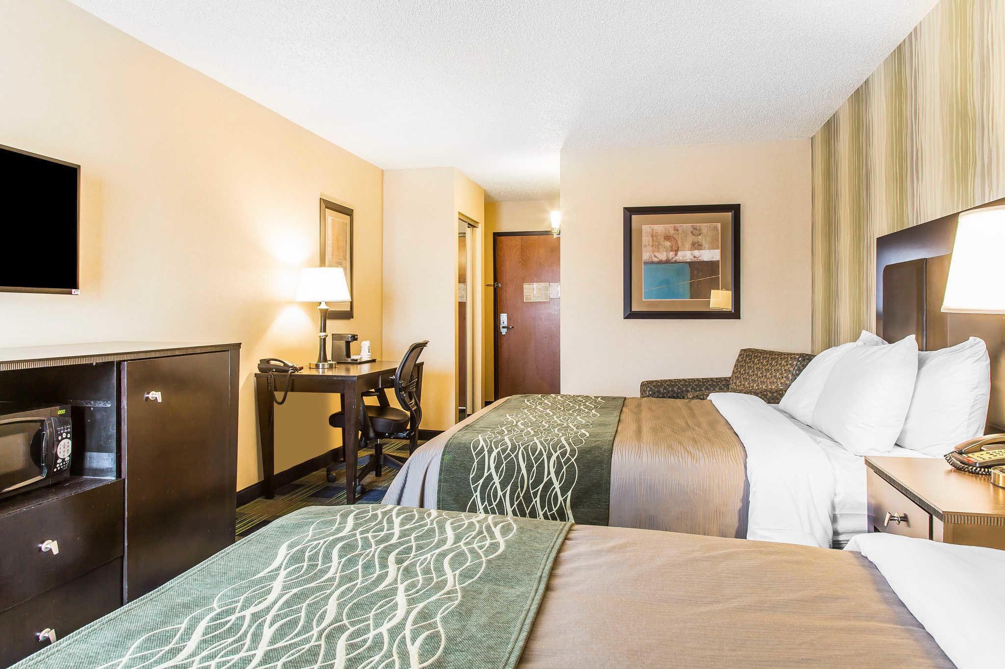 Comfort Inn Amp Suites Meriden Connecticut Ct