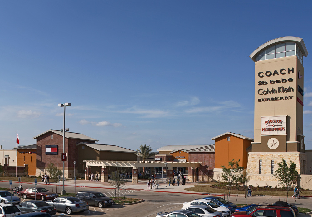 Enjoy designer outlet shopping experience and shopping, great deals and events at Houston Premium Outlets. Find more than outlet stores locations and information about opening hours and directions at Houston Premium Outlets/5(1).