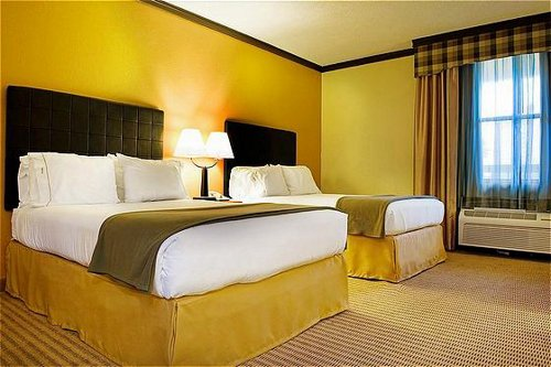Holiday inn express suites irving dfw airport north for Irving hotel chicago