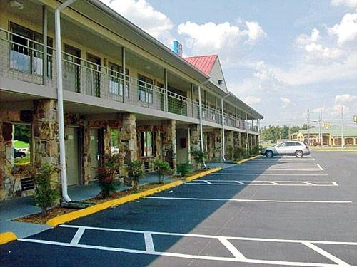 Motel 6 image 7