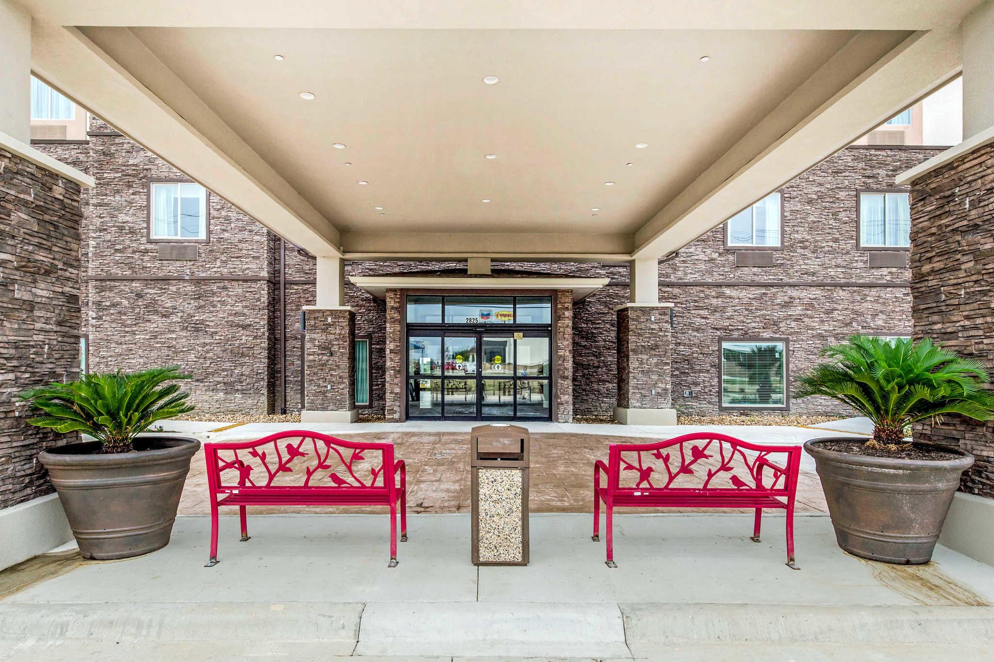 Hotels Near Brazos County Expo Center
