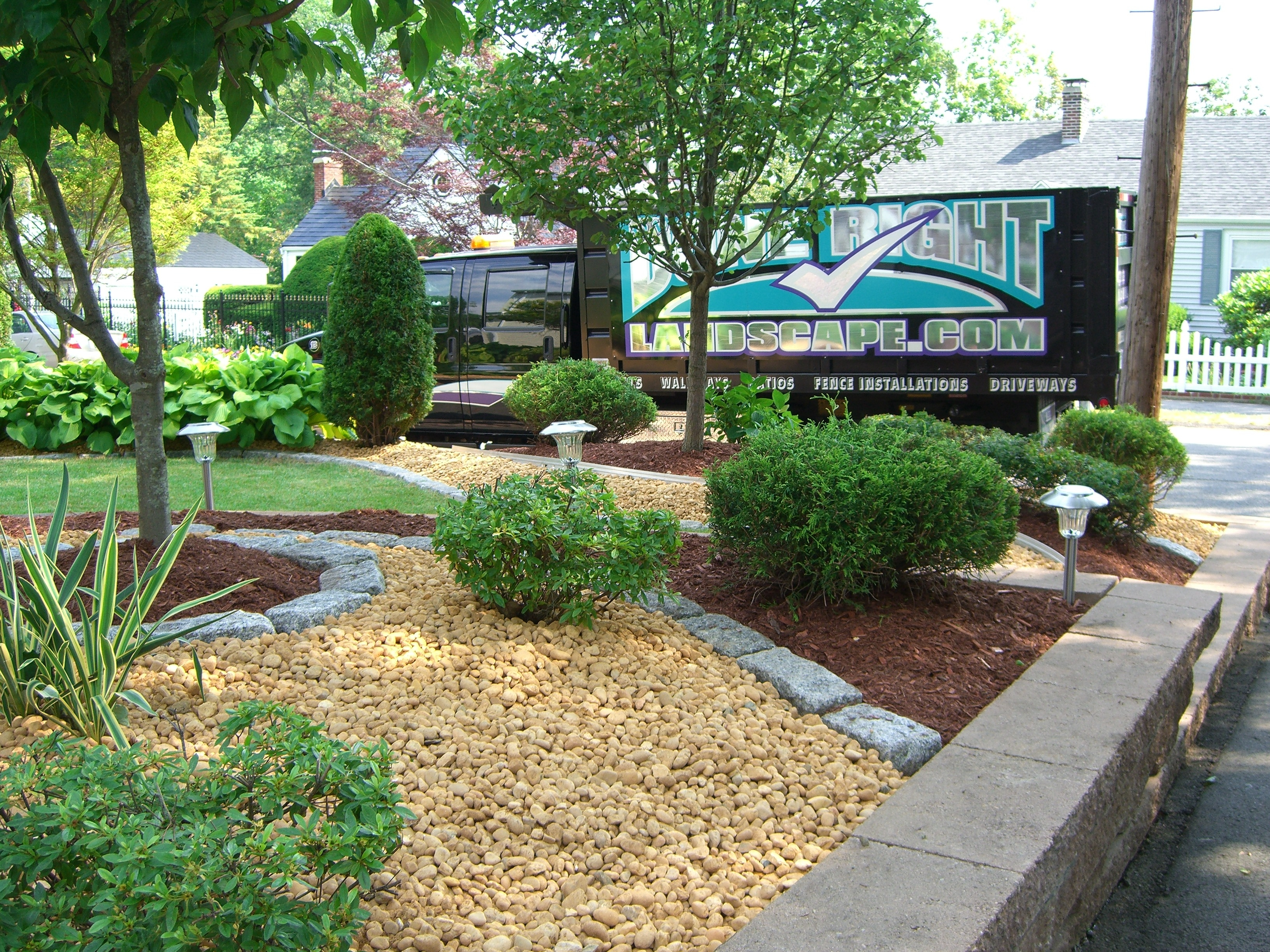 Garden Landscaping Wakefield : Specializing in low maintenance landscape designs
