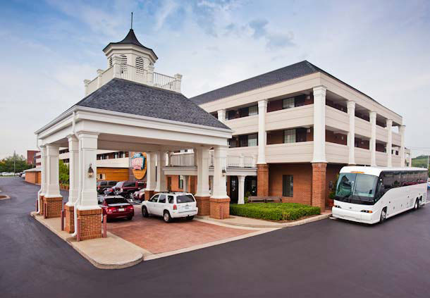 Opryland is a popular destination, with no less than 97 Opryland hotels that are bookable through Expedia. Visitors with a taste for luxury and style will be sure to enjoy the Renaissance Nashville Hotel, at Commerce St, and the Hilton Nashville Downtown, at 4th Ave S.