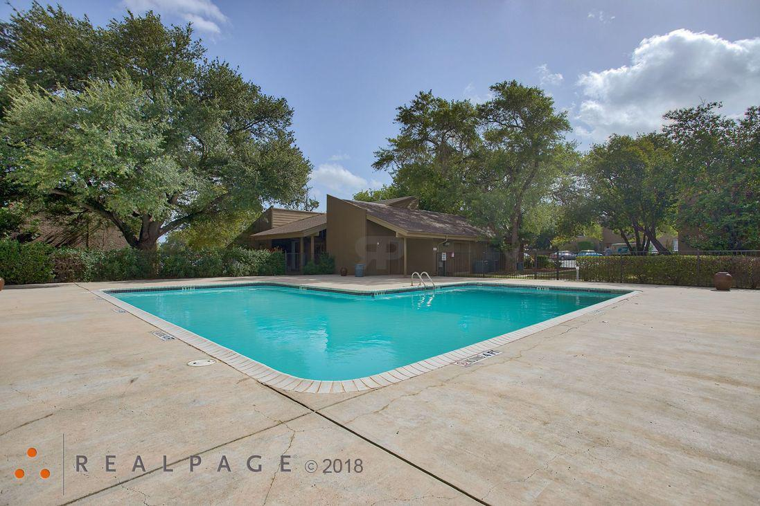 Crestwind Townhomes And Apartments - San Antonio, TX 78239 - (210)762-6041   ShowMeLocal.com