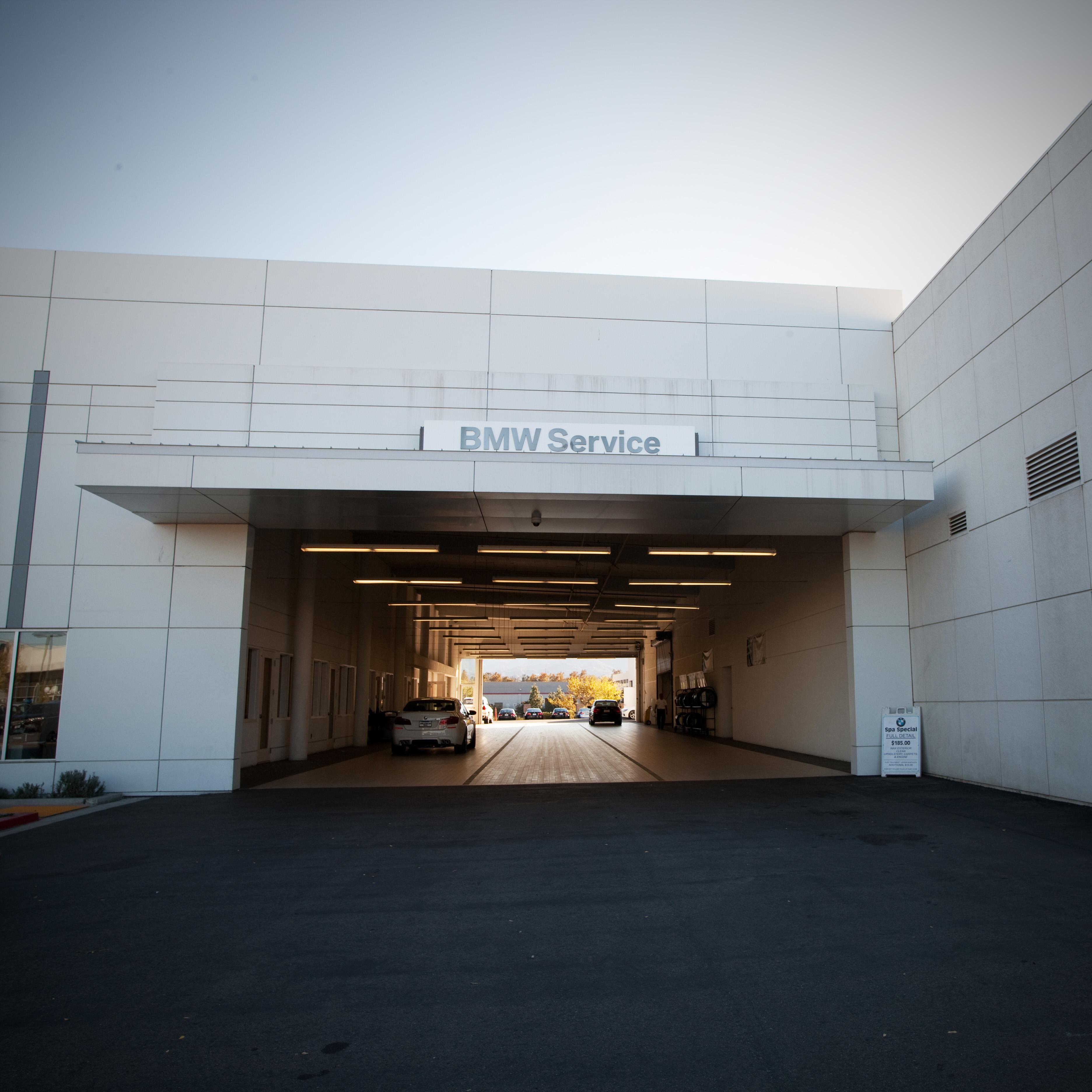 Valencia BMW, Valencia California (CA) - LocalDatabase.com