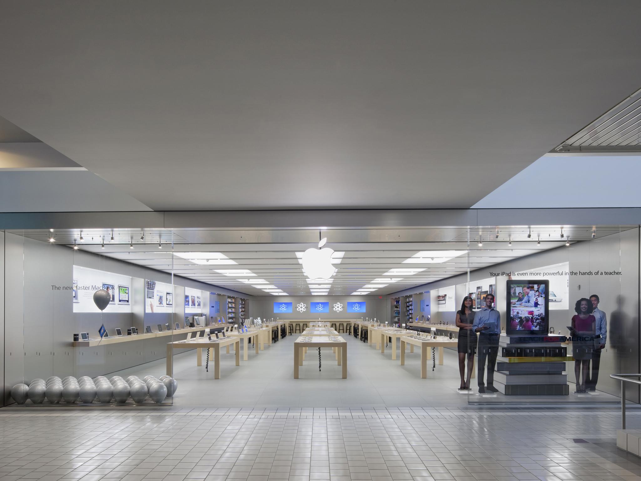 Apple Anchorage 5th Avenue Mall